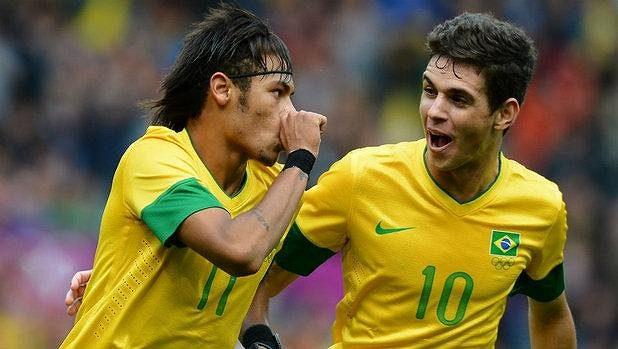 Hvězdy brazilské reprezentace: Oscar (vpravo) a Neymar.