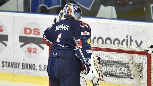 Brankář Miroslav Kopřiva po inkasovaném gólu v Brně.