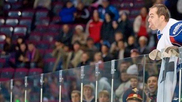 Tomáš Rolinek baví fanoušky Magnitogorsku
