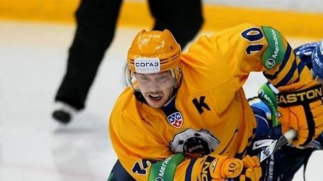 Hokejista Atlantu Mytišči Sergej Mozjakin
