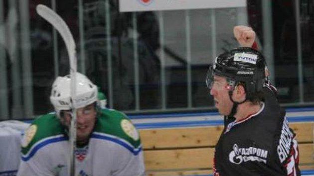 Hrdina Omsku ve čtvrtém zápase osmifinále Dmitrij Vlasenkov