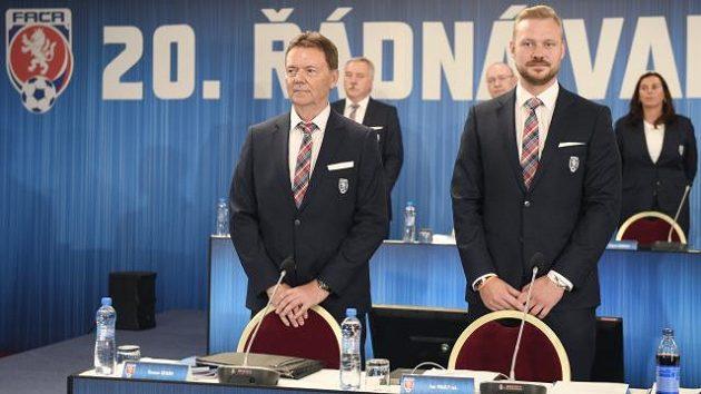Místopředseda FAČR Roman Berbr (vlevo) a nový generální sekretář Jan Pauly.