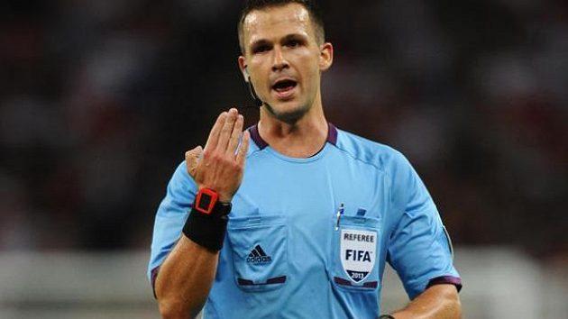 Rozhodčí ve třetí německé lize nepřerušil hru a sporný gól platil (ilustrační foto)