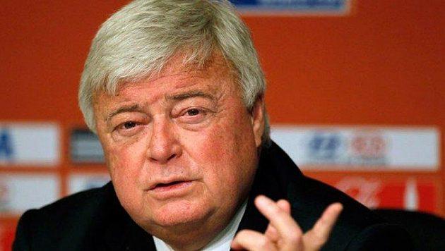 Bývalý předseda brazilské federace Ricardo Teixeira byl potrestán za korupci doživotním zákazem působení ve fotbale.