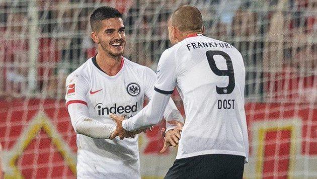 Portugalec André Silva a Nizozemec Bas Dost svými góly rozhodli o výhře Frankfurtu nad Unionem Berlín.