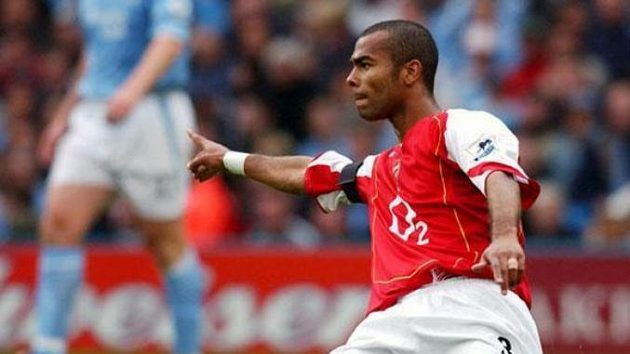 Obránce Arsenalu Ashley Cole
