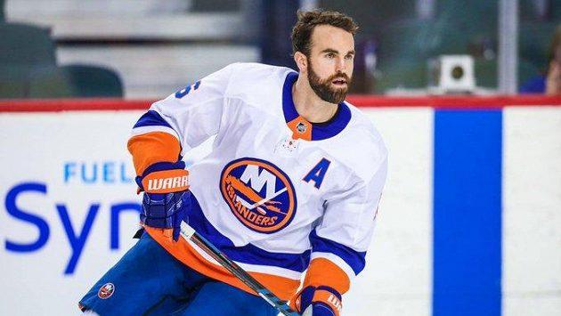 Hokejista Andrew Ladd přestupuje z NY Islanders do celku Arizony.