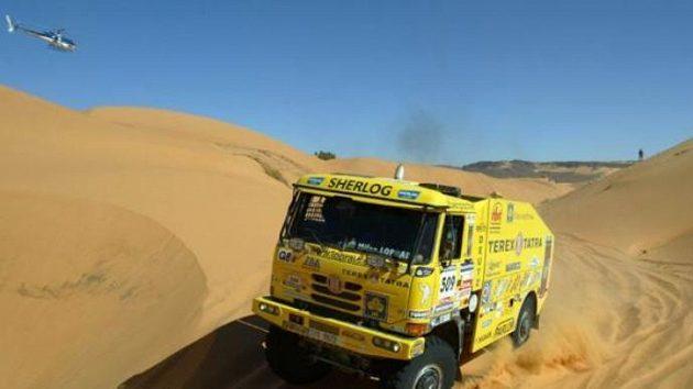 Kamion tatra Karla Lopraise na trati Rallye Dakar.