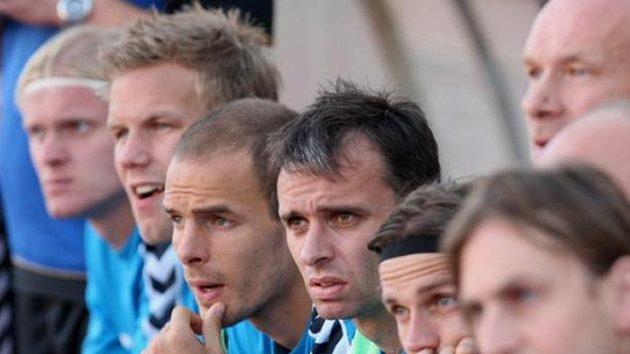 Na lavičce Liberce jsem vysedávat nechtěl, říká Tomáš Janů (uprostřed).