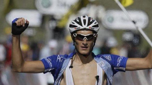 Francouzský cyklista Brice Feillu v cíli sedmé etapy Tour