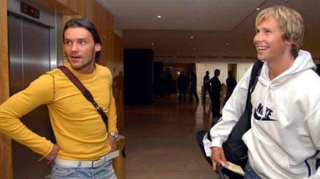 Reprezentanti Marek Jankulovski (ve žlutém) a Jaroslav Plašil.