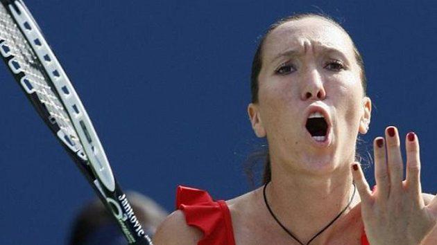 Srbská tenistka Jelena Jankovičová. Proč? Protože došel benzín.