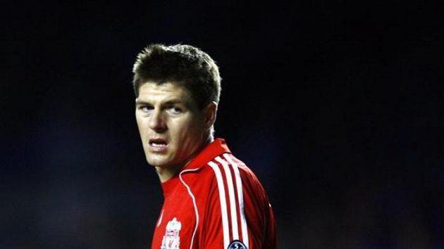 Kapitán Liverpoolu Steven Gerrard během semifinále Ligy mistrů proti Chelsea
