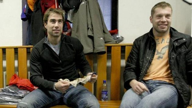 Zbyněk Irgl (vlevo) a Josef Vašíček hráli spolu, to je minulost. Bohužel.