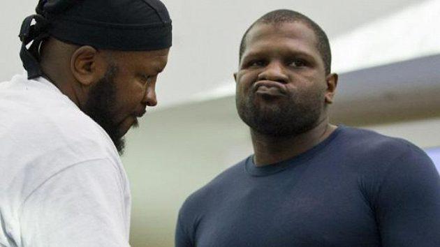Americký boxer Kevin Johnson se chystá na duel proti Vitaliji Kličkovi.