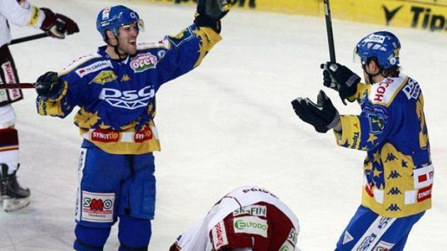 Radost hokejistů Zlína na ledě Sparty.