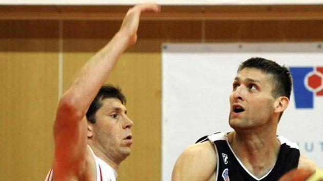 Petr Benda z Nymburka (vlevo) a Zbyněk Pospíšil z Nového Jičína