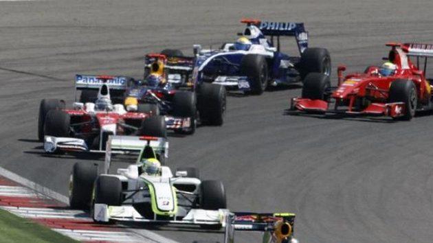 Jezdci formule 1 během Velké ceny Turecka