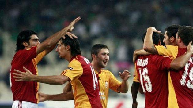 Fotbalisté Galatasaray Istanbul bude trénovat Fatih Terim.