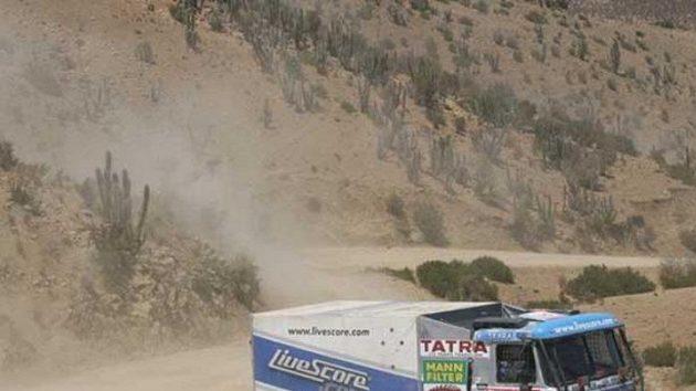 Tatra Tomáše Tomečka na trati Rallye Dakar.