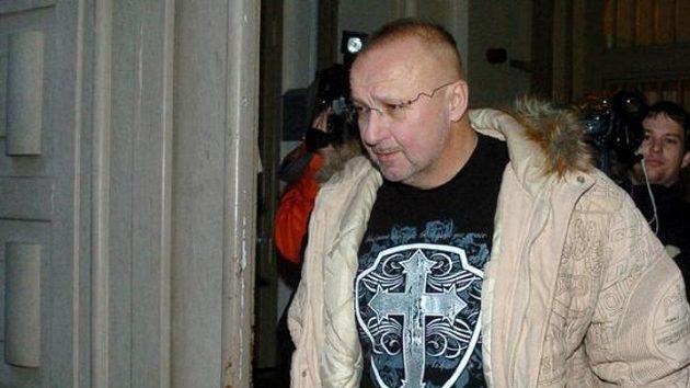 Jaroslav Starka odchází zpankrácké vazební věznice