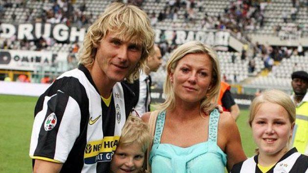 Pavel Nedvěd by i po ukončení kariéry měl ještě českému fotbalu co dát.