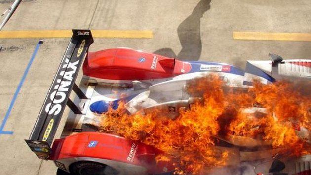 Horká chvilka českého týmu v Le Mans.