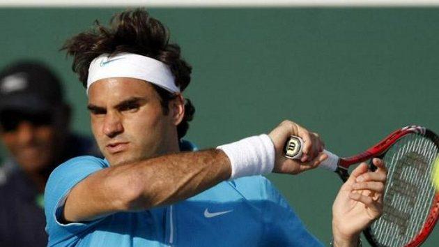Švýcarský tenista Roger Federer v utkání proti Söderlingovi