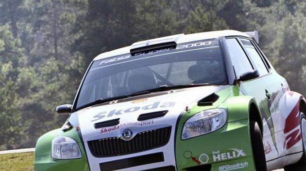 Jak Kopecký za volantem vozu Škoda Fabia S2000.