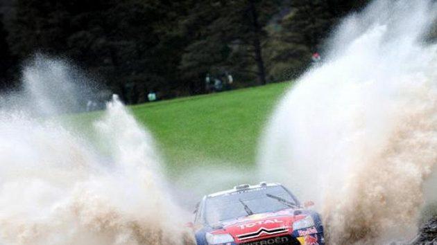 Sebastien Loeb se ve Walesu dojel pro šestý titul mistra světa v řadě.