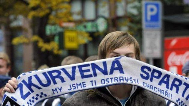 Fanoušek Baníku Ostrava před zápasem na Spartě