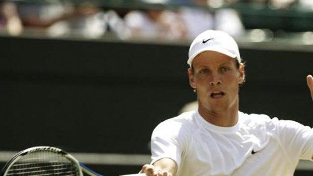 Český tenista Tomáš Berdych během 3. kola Wimbledonu proti Davyděnkovi z Ruska