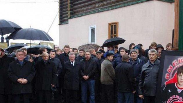 S Alexejem Čerepanovem se po jeho smrti přišly rozloučit tisíce lidí