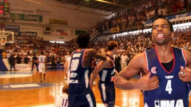 Chris Warren (vpravo), opora basketbalistů Cibony Záhřeb