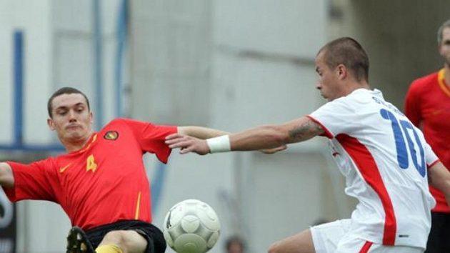 Václav Svěrkoš (uprostřed) střílí v utkání proti Belgii. Ilustrační foto.