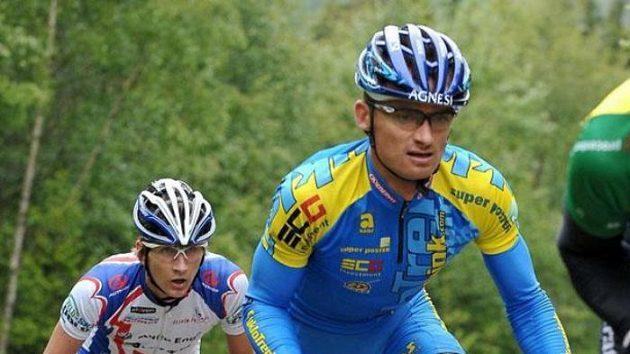 Cyklista Jan Hruška při Jizerské 50