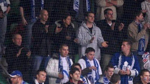 Fanoušci Komety Brno, kteří se dostali na sedmý semifinálový zápas na ledě Mladé Boleslavi.