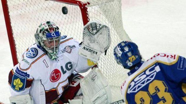 Martin Záhorovský ještě v dresu Zlína v utkání proti Spartě. Archivní foto.