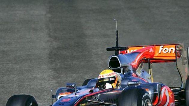 Lewis Hamilton testuje nový McLaren