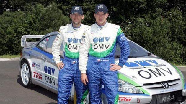 Posádka OMV Rally týmu Štěpán Vojtěch (vpravo) a Michal Ernst s Peuegotem 307 WRC.