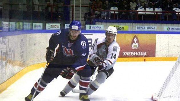 Filip Novák (vpravo) v dresu Dynama Riga
