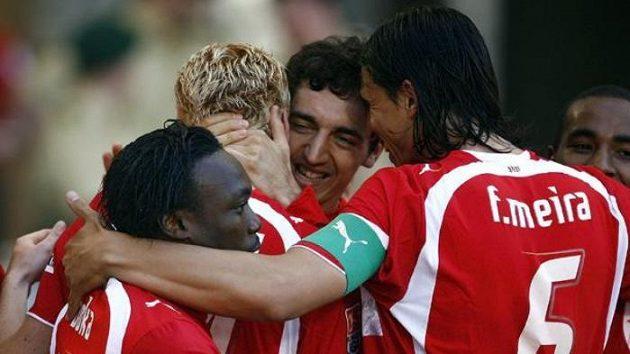 Fotbalisté Stuttgartu mají v posledních týdnech hodně důvodů k radosti. Vyjde jim finiš o titul?