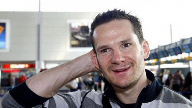 Hokejista Patrik Eliáš při odletu do USA