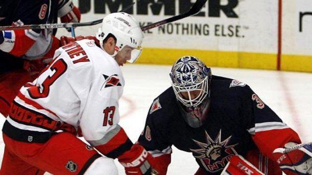 Nejlepší hráč týdne NHL, brankář NY Rangers Lundqvist.