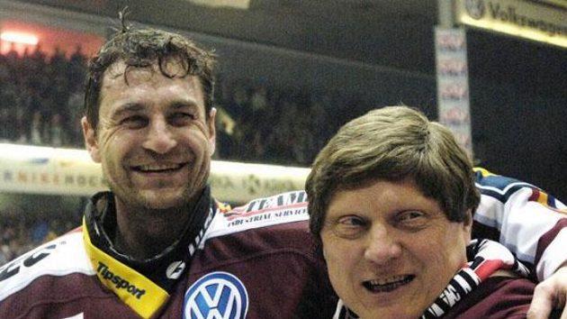 Trenér Sparty Praha František Výborný a brankář Petr Bříza (vlevo)