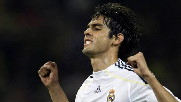 Brazilec Kaká oslavuje svůj premiérový gól v dresu Realu Madrid.