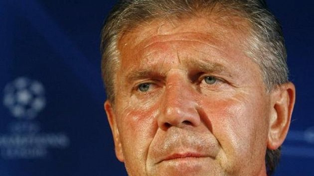 Ani případný nezdar se Žilinou by zásadní vliv na hospodaření Sparty neměl, tvrdí letenský generální manažer a trenér Jozef Chovanec