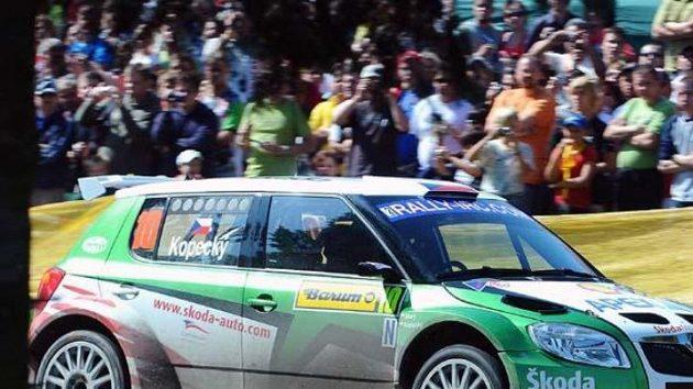 Jan Kopecký s vozem Škoda Fabia S2000 na archivním snímku.