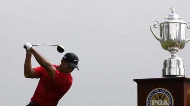 Americký golfista Tiger Woods během závěrečného kola PGA Championship v Hazeltine
