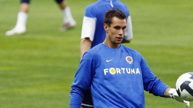 Sparťanský brankář Milan Švenger na tréninku před odvetným duelem play-off Evropské ligy s Mariborem.